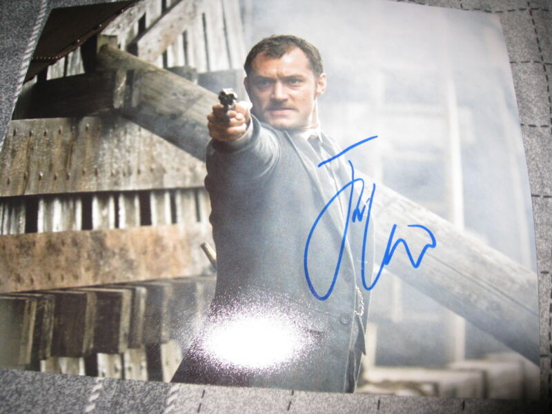 JUDE LAW SIGNED AUTOGRAPH 8x10 PHOTO SHERLOCK HOLMES DOWNEY JR COA IN PERSON F