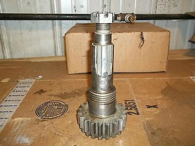 John Deere 520 530 Transmission Drive Shaft Gear B3614r