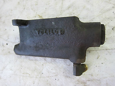 Oliver 1800 Tractor Hydraulic Block