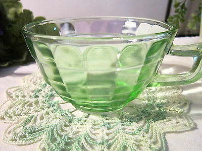 Depression-BLOCK OPTIC-Green--POINTED HANDLED CUP