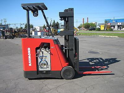 2006 Raymond Forklift Dockstockerpacer 3000 188 Lift 36v Wbattery Charger