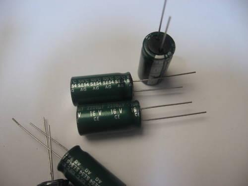 Lote De 10 - Condensador Producto Químico 2200µF 2200uF 2200MF 16V 105°C Sanyo