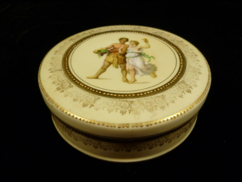 OLD GERMAN ROUND PORCELAIN POWDER BOX WITH PORTRAIT LID