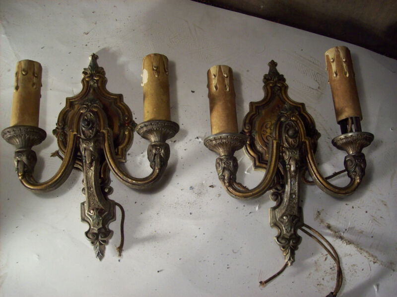 2 matching ornate painted sconces  (L 112)