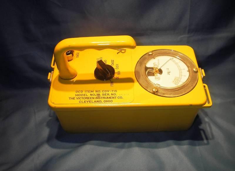 $ 61 - Geiger Counter /  715 & Dosimeter Set