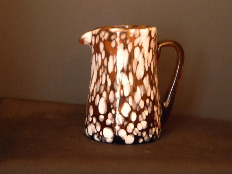 Spatter Glass Creamer Caramel n White (1448)