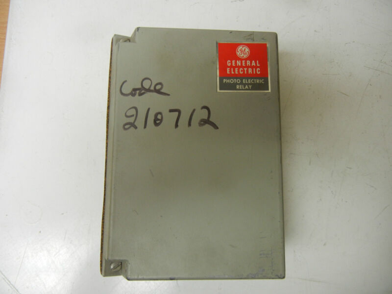 GENERAL ELECTRIC GE 3S7505PG520A1 USED PHOTO ELECTRIC RELAY 3S7505PG520A1