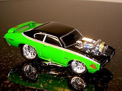Muscle Machines 69 Gto Judge Die Cast Car 1 64 Scale 1969 Pontiac