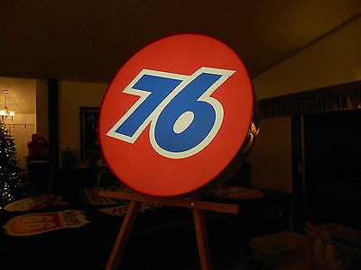 Union 76 Lighted Sign