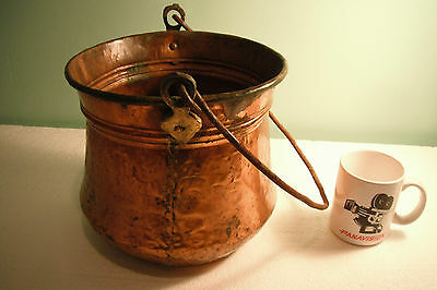 "ANTIQUE LARGE COPPER HAND HAMMERED DOVETAIL APPLE BUTTER KETTLE POT, 9"" Dia."