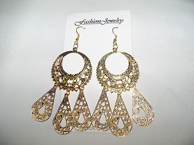 """NEW LARGE & PRETTY 4"""" LONG PIERCED EARRING WITH GIFT BOX /  VERY NICE"""