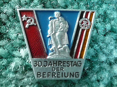Vintage 30th Anniversary Of The Liberation, East Gemany Jahrestag Befreiung Pin