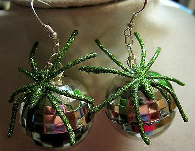 HALLOWEEN GREEN SPIDER 70's 80's SILVER DISCO BALL ST. PATRICK 925 EARRINGS USA](80s Disco Ball)