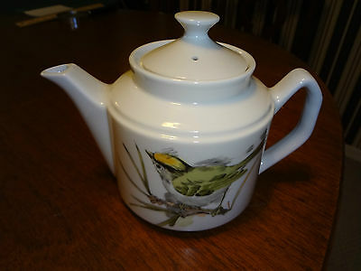 ERESCO Song Bird Fine China Tea Pot 1976 8 x 5.5 x 4.75 Excellent Condition