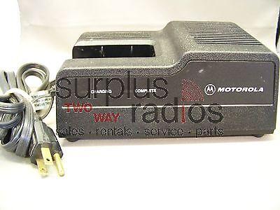 Used Motorola Rapid Charger Ntn5538c Mt1000 P200 Ht600 Mtx800