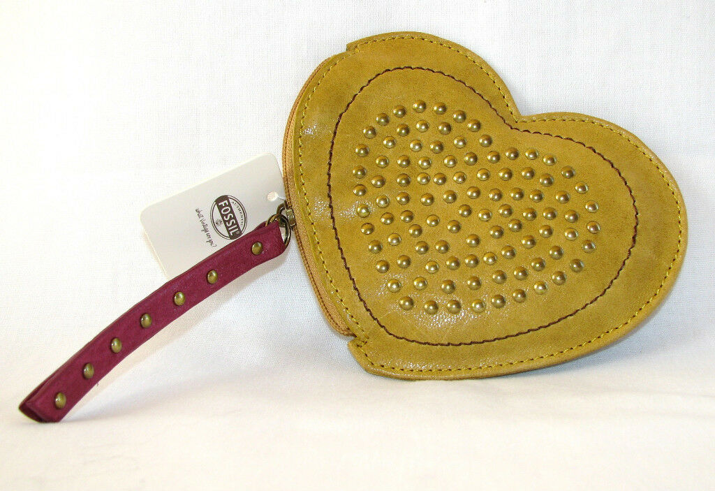 NEW FOSSIL YELLOW/MUSTARD LEATHER HEART SHAPE BRONZE STUDDED COIN POUCH/WALLET