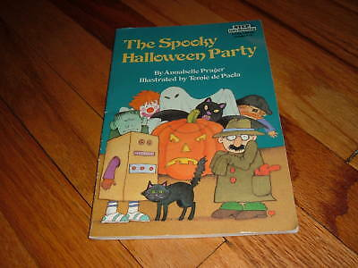 Learn English Kids Halloween (The Spooky Halloween Party Annabelle Prager Paperback Kids Book Learning To)