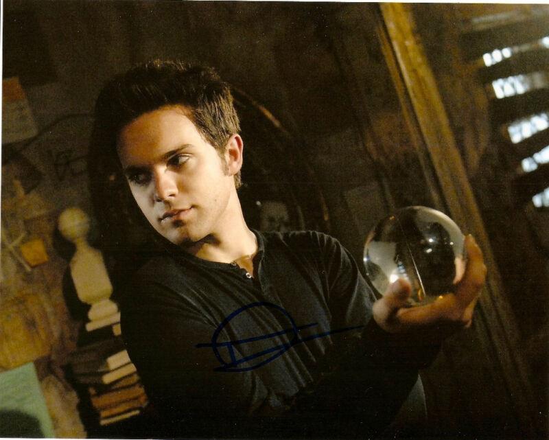 Secret Circle Thomas Dekker Signed Autographed 8x10 Photo COA