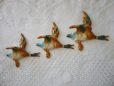 Sculptures FLYING WALL HANGING DUCKS ,