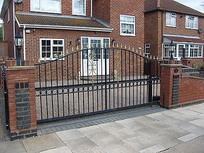 BRAND NEW SLIDING GATES MADE BY ENGLISH CRAFTSMEN BEST IN UK TOP QUALITY