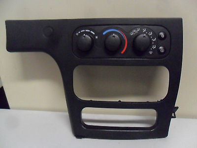2004 04 DODGE INTREPID AC HEATER CLIMATE CONTROLS UNIT & TRIM BEZEL PANEL