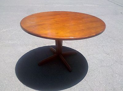 42 Round Conferenceexecutive Cherrywood Table Wwood Base We Deliver Local Ca
