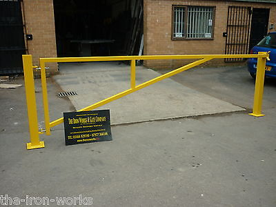 # CAR PARKING BARRIER HEAVY DUTY POWDER COATED 10FT WIDE CARPARK GATE ANY SIZE