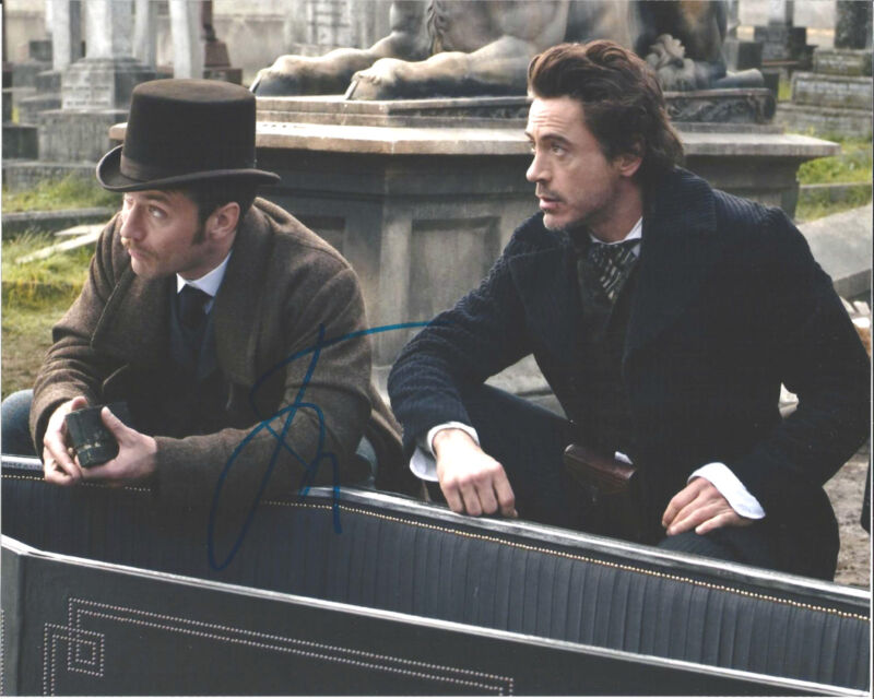 ACTOR JUDE LAW SIGNED SHERLOCK HOLMES 8X10 PHOTO W/COA DR WATSON ROBERT DOWNEY A