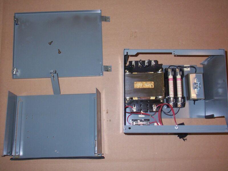 SQUARE D MODEL 5 1 KVA TRANSFORMER 9070EO71 2 AMP FUSIBLE BUCKET