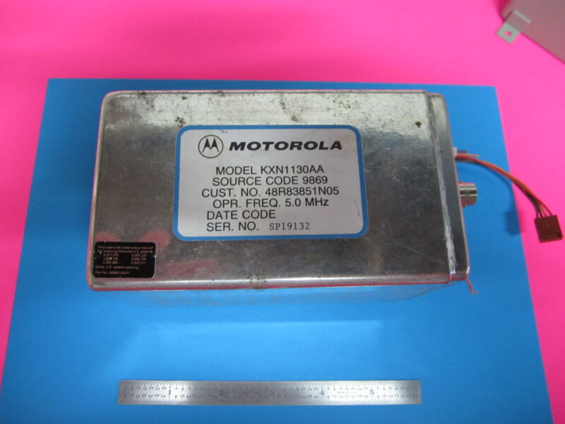 ULTRA STABLE QUARTZ OSCILLATOR 5 MHz MOTOROLA FREQUENCY STANDARD NICE