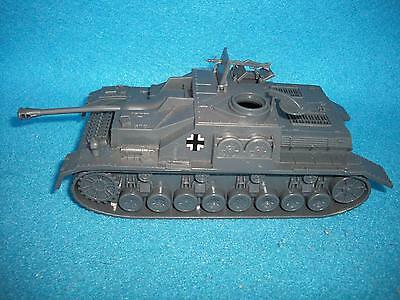 Classic Toy Soldiers  WWII German Stug tank,for use with 1/32 scale figures