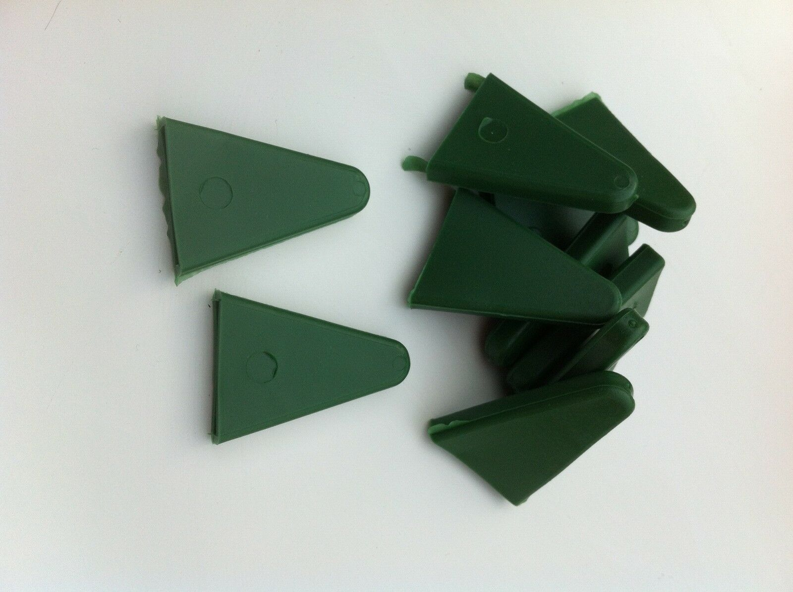 Yuzet Pack of 24 Yellow Triangular Rubber Cane Toppers Caps Green Topper Green