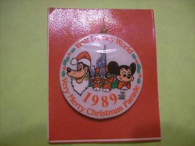 VINTAGE 1989 WALT DISNEY WORLD CHRISTMAS PARADE ORNAMENT IN THE ORIGINAL PACKAGE