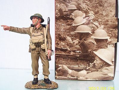 KING & COUNTRY FIELDS OF BATTLE FOB023 SERGEANT MAJOR POINTING SLUNG RIFLE MIB