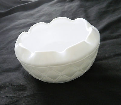 Diamond Quilted Rose Bowl Duette Pattern from Indiana Glass Milk Glass