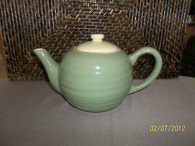 Teapot microwave dishwasher safe green w/ yellow lid