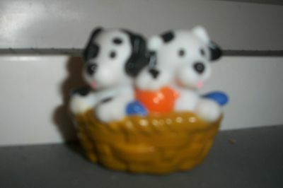 FISHER PRICE LITTLE PEOPLE DALMATION DOGS IN BASKET  FREE SHIPPING DOLLHOUSE