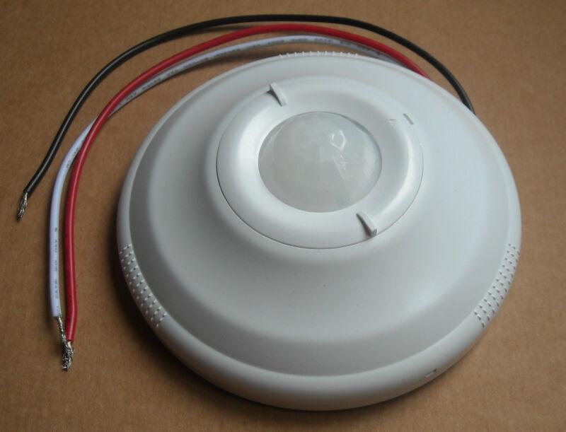 OCCUPANCY CEILING MOUNTED PIR MOTION SENSOR SWITCH CFL LED 120V / 277V AC WHITE