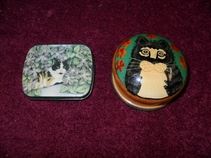 "SET of TWO (2) Collectible ""CAT"" ""PILLBOXES"""