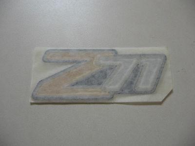 NEW 2000-2006 CHEVROLET SUBURBAN TAHOE Z71 EMBLEM 15051184