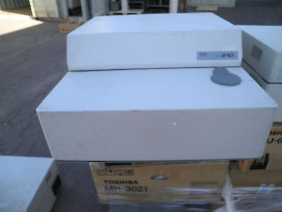 Nicolet 210 Spectrometer Model 8220 W