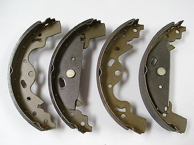 LAND ROVER FREELANDER 1 REAR BRAKE SHOE SET FROM 2001 ONWARDS NEW - SFS000030
