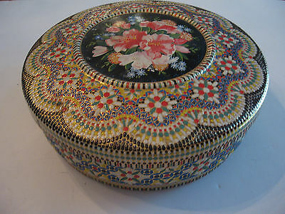 """BEAUTIFUL COLORFUL TIN MADE IN HOLLAND 8 1/2"""" IN DIAMETER - SPECTACULAR"""