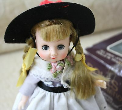 National Costume Of Germany (DOLLS OF ALL NATIONS NO.132 GERMANY  7
