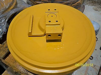 New Komatsu D31 Or D37 Front Idler Roller For Dozer Loader Parts
