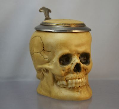 Krug  - Bierkrug - Kopf -Totenkopf -Sammlerkrug- Porzellan