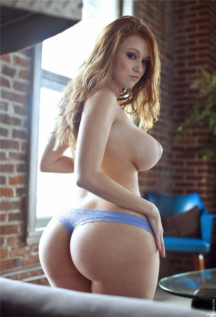 голые девушки жопастые фото