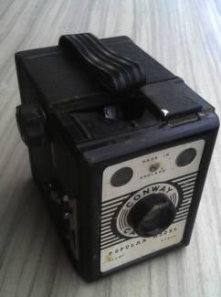 Old Vintage Conway Camera English (broken)