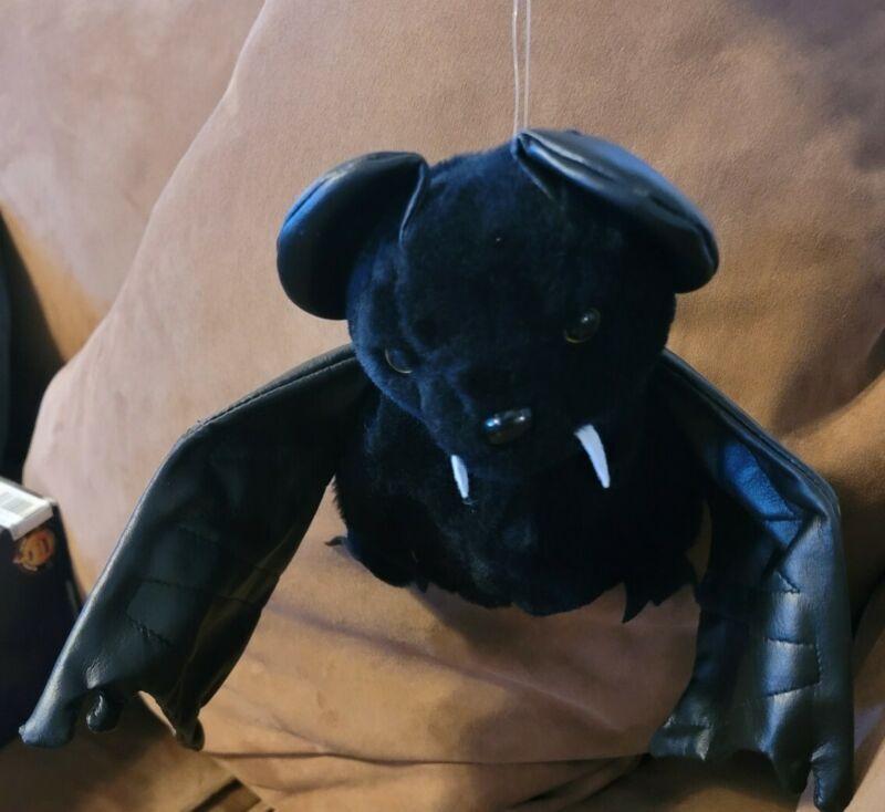 Gemmy 1993 Large Animated Flying Vampire Bat - Sound Motion Activated rare plush