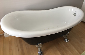 BRAND NEW!! CLAWFOOT JET TUB & all parts to go with it.